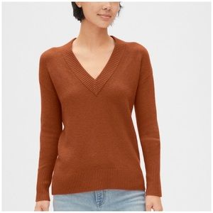 GAP Copper V-Neck Sweater Size Large